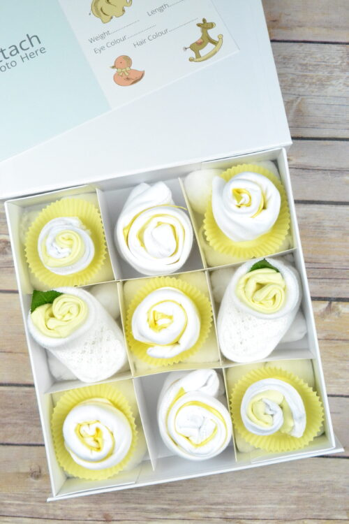 Neutral Cupcake Baby Gift box